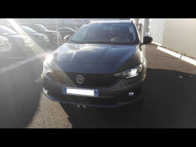voiture occasion fiat tipo sw 16 multijet 120ch sdesign ss dct. Black Bedroom Furniture Sets. Home Design Ideas